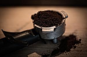 Kaffeesatz Einreiben gegen Cellulite