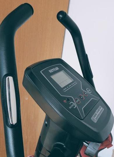 Kettler Axos Cycle M Heimtrainer - Handpulsmessung an den Griffstangen