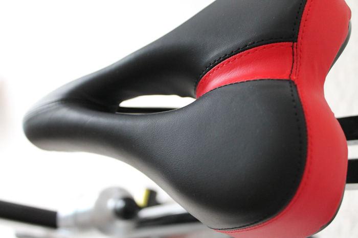 Sattel des Sportstech SX400